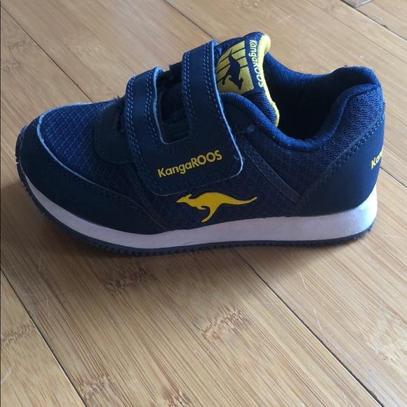 Kangaroos Velcro Pocket Sneaker Navy Sz